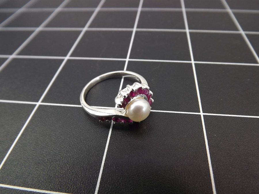 NEW STERLING SILVER 925 PEARL & RUBY SWIRL STYLE COCKTAIL RING 3.3 GRAMS SIZE 8 1