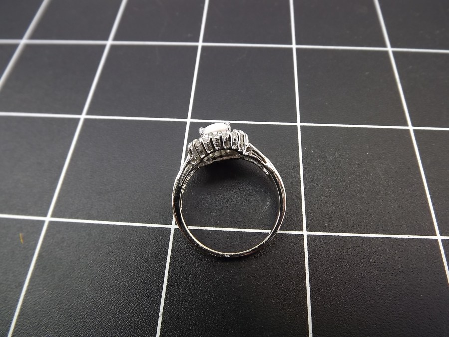 NEW STERLING SILVER 925 OPAL AND CUBIC ZIRCONIA BAGUETTE COCKTAIL RING 3.5 GRAMS SIZE 8 3