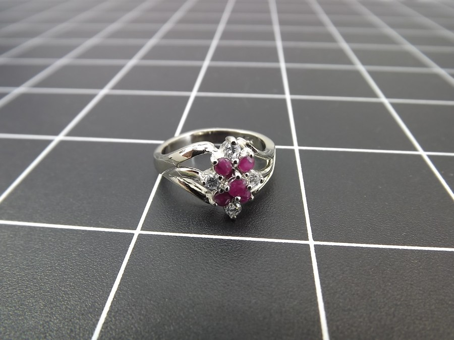 NEW STERLING SILVER 925 RUBY & ZIRCON CLUSTER COCKTAIL RING 4.6 GRAMS SIZE 8 1