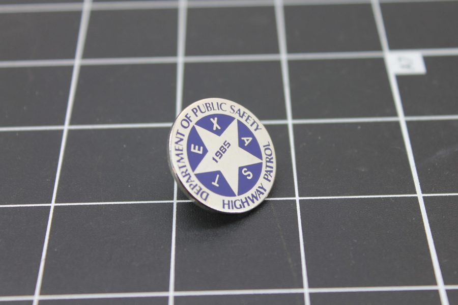 TEXAS DEPARTMENT OF PUBLIC SAFETY HIGHWAY PATROL SILVER & BLUE LAPEL PIN 1