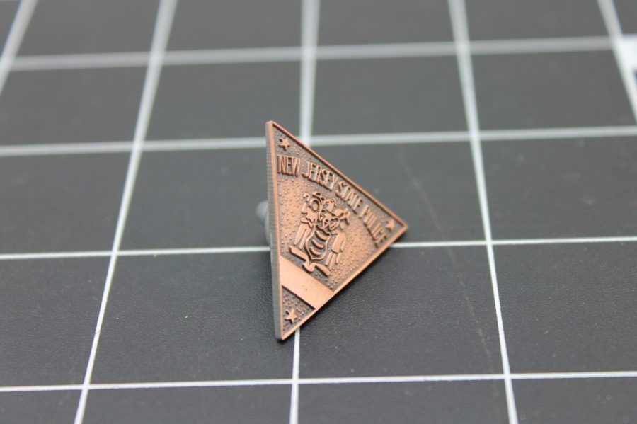 NEW JERSEY STATE POLICE BADGE PEWTER LAPEL PIN 4