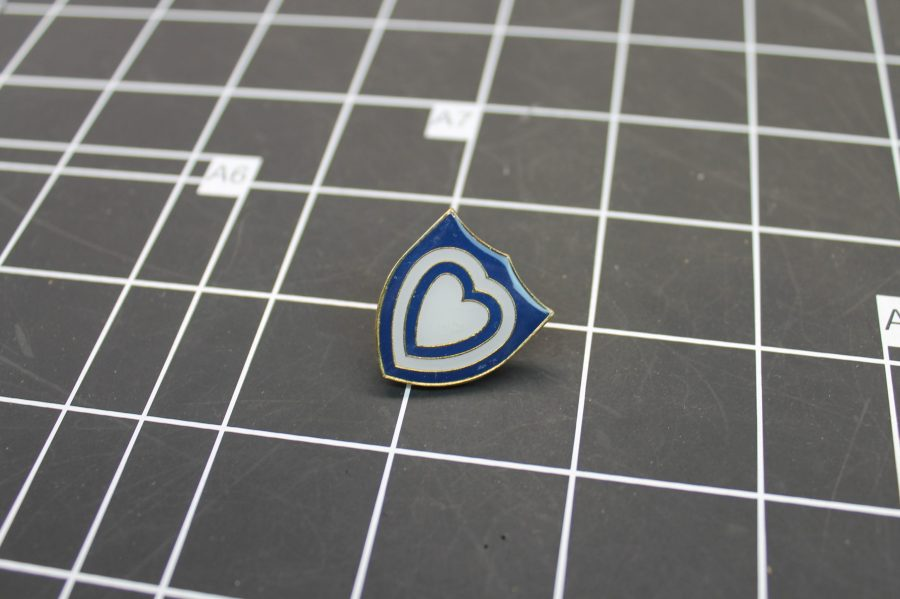 VINTAGE ENAMEL MILITARY BLUE SHIELD HEART LAPEL PIN 2