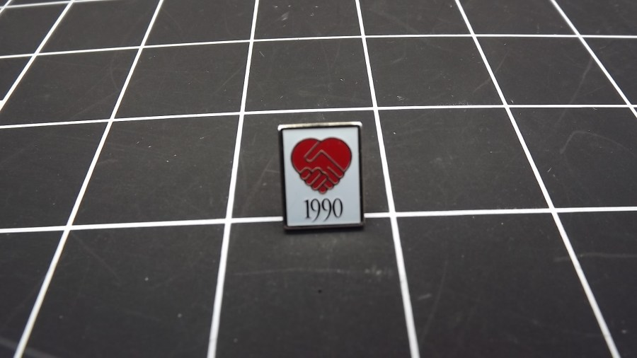 VINTAGE SILVER TONE SHAKING HANDS HEART 1990 RED & WHITE ENAMEL LAPEL PIN 1