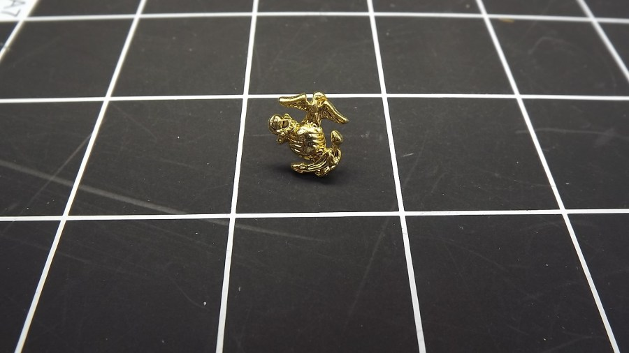 BRAND NEW GOLD TONE MARINE CORPS SMALL ANCHOR & GLOBE LAPEL PIN 1