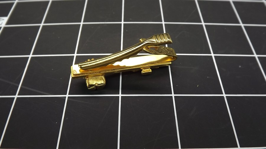 ANTIQUE VINTAGE GOLD TONE SHRINERS BILLIKEN WEIGHT SCALE TIE CLIP 2