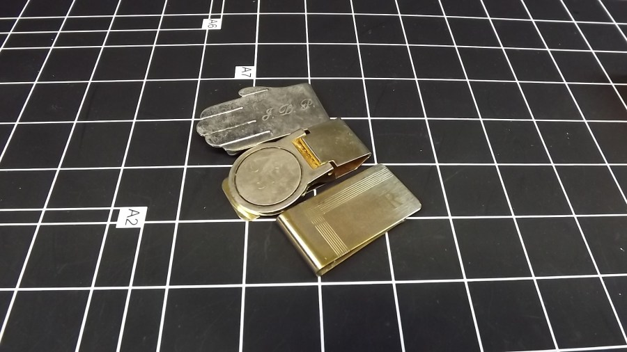 3 VINTAGE ENGRAVED MONEY CLIPS GOLD TONE & SILVER TONE 1