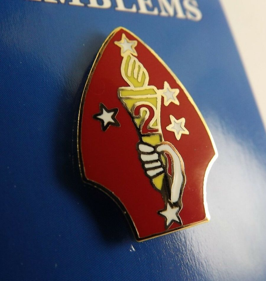 "BRAND NEW Lapel Pin United States Marine Corps 002ND Division Red Enamel 1"" 1"