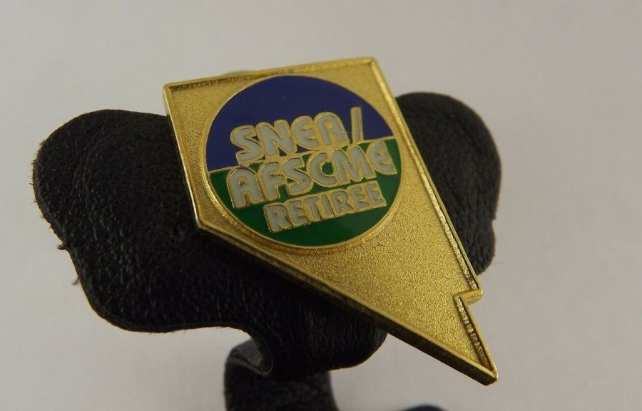 SNEA / AFSCME RETIREE LAPEL / HAT PIN BRAND NEW ENAMELED 1