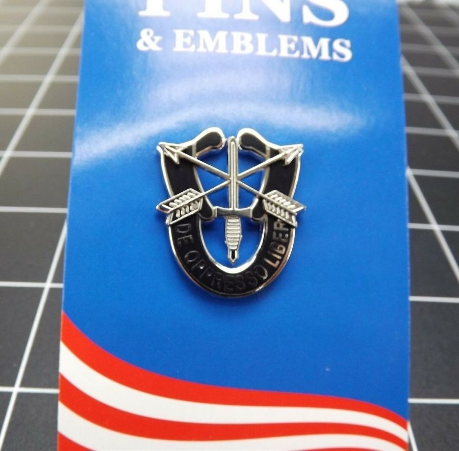 "BRAND NEW Lapel Pin United States Army Special Forces De Oppresso Liber 1 1/2"" 1"
