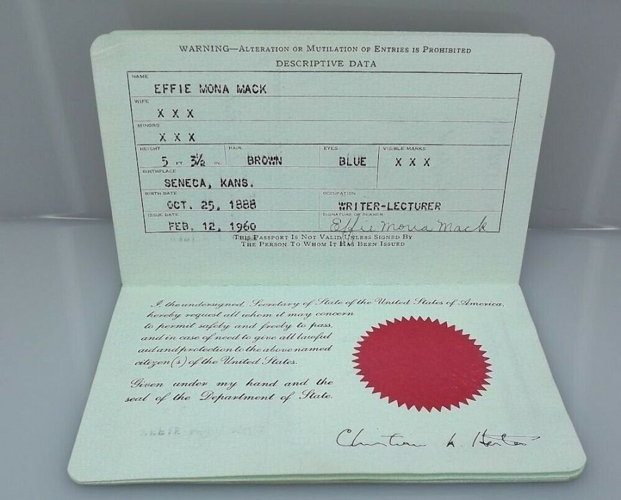 Effie Mona Mack's original Passport issued 1960 with travel stamps 4