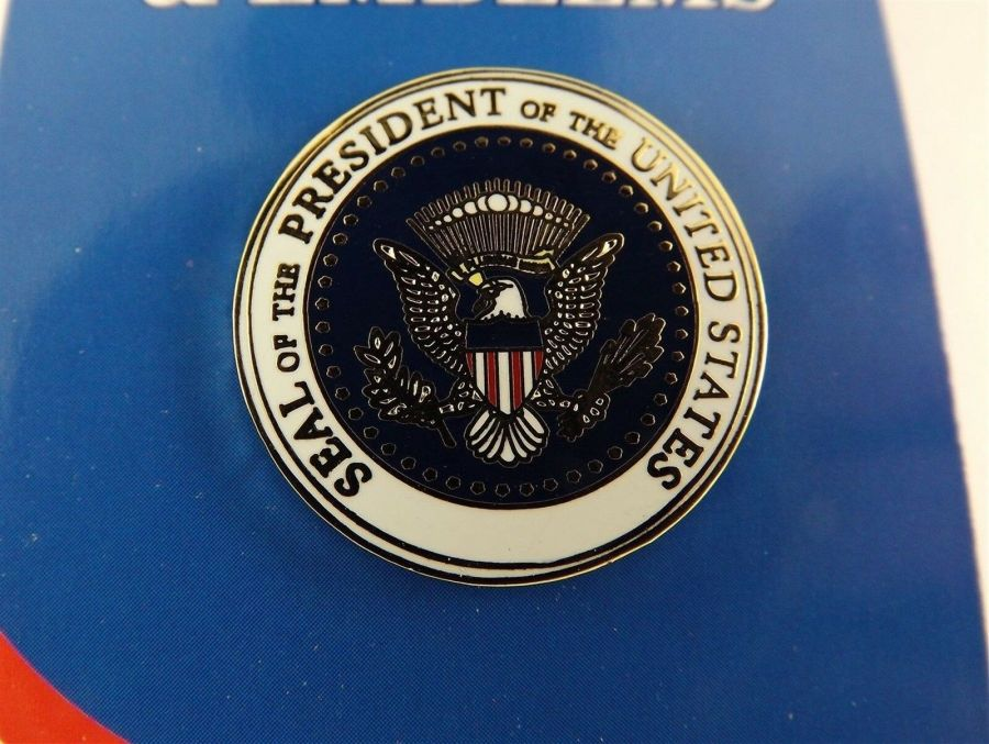 """BRAND NEW Lapel Pin SEAL Of The PRESIDENT Of The UNITED STATES Enamel 1"""" 1"""