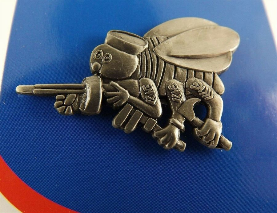 "BRAND NEW Lapel Pin United States Navy SEABEES Emblem 1"" 1"