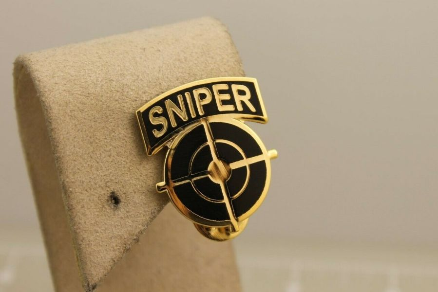 """Lapel pin NEW scope cross hairs """"SNIPER"""" gold color brass pin back hat 1"""