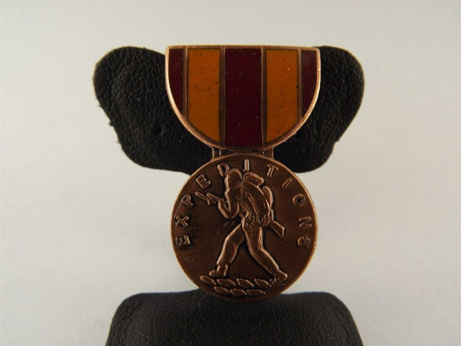 US Marines Corps Expeditionary Medal Enamel LAPEL / HAT PIN BRAND NEW 1