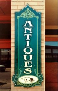 Vertical Text Do's and Don'ts on Paxton antiques sign