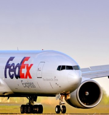 FedEx may place $13 billion aircraft order