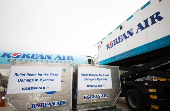 Korean Air helps with Myanmar floods