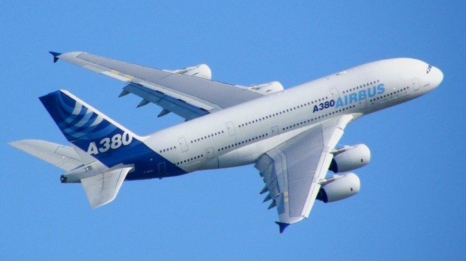 Airbus delivers record aircraft in 2015, breaks even on A380