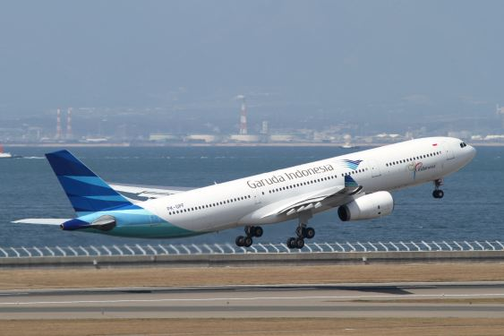 Garuda slips into loss in 1H, but cargo up 8%