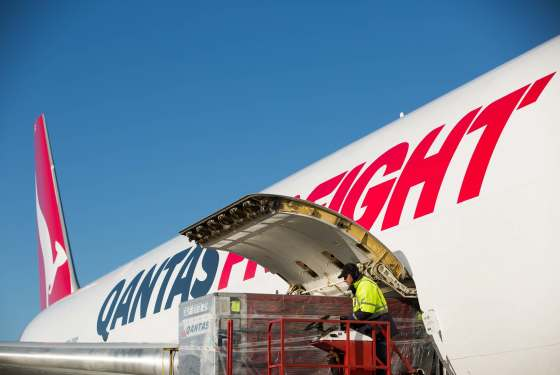 Qantas, Australia Post sign int'l mail deal