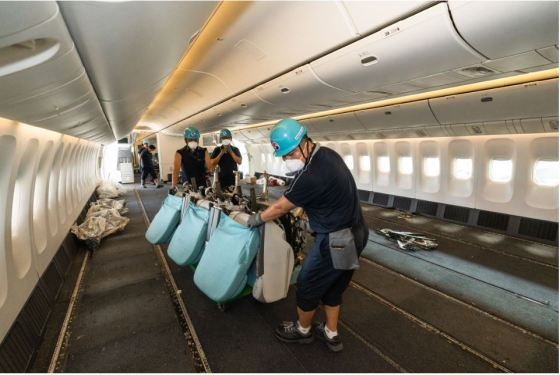 Korean Air converts B777-300ERs for cargo transport after ministry approval