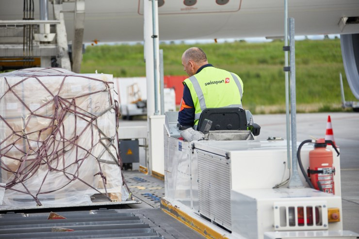 SWISSPORT WINS LUFTHANSA CARGO AT HEATHROW AND NOW HANDLES THE CARRIER AT ALL ITS UK DESTINATIONS