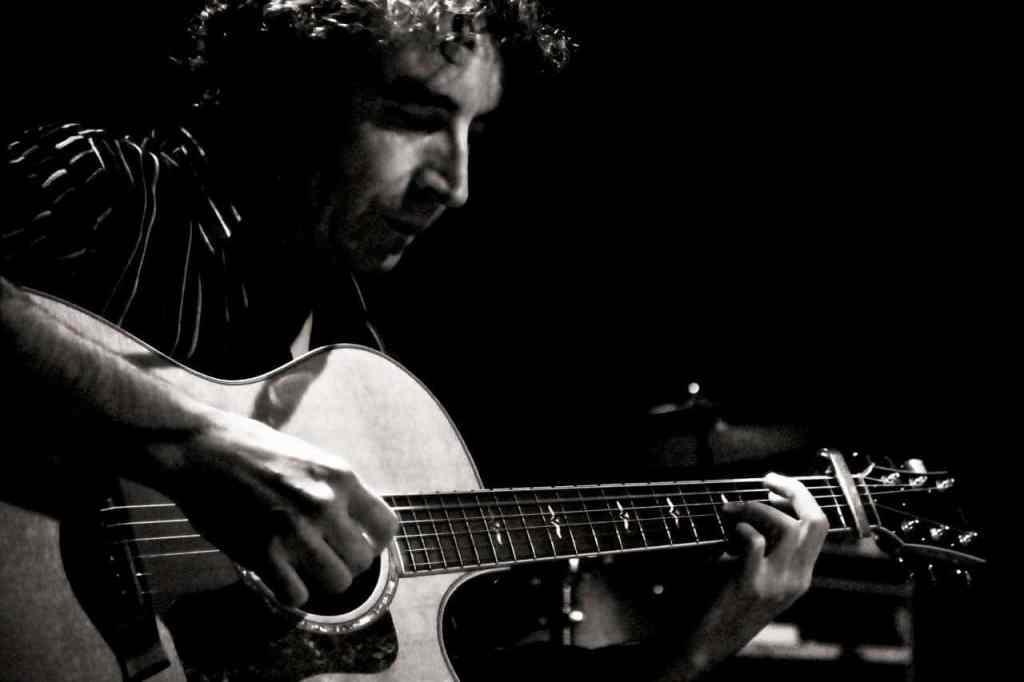 Pat_tetevuide_guitare