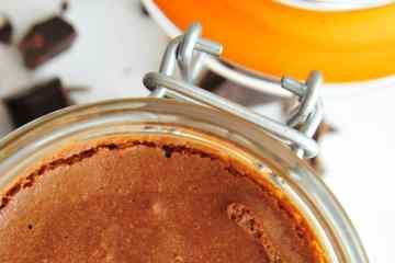 Dessert-au-piment-d-Espelette-Mousse-au-Chocolat