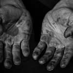 Quentin-Delion-Artisan-bois-mains-pays-basque
