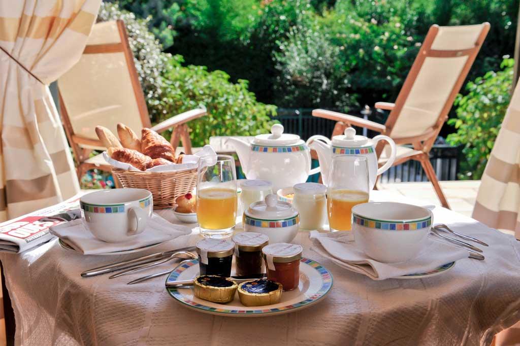 petit-dejeuner-hotel-ibarboure-bidart