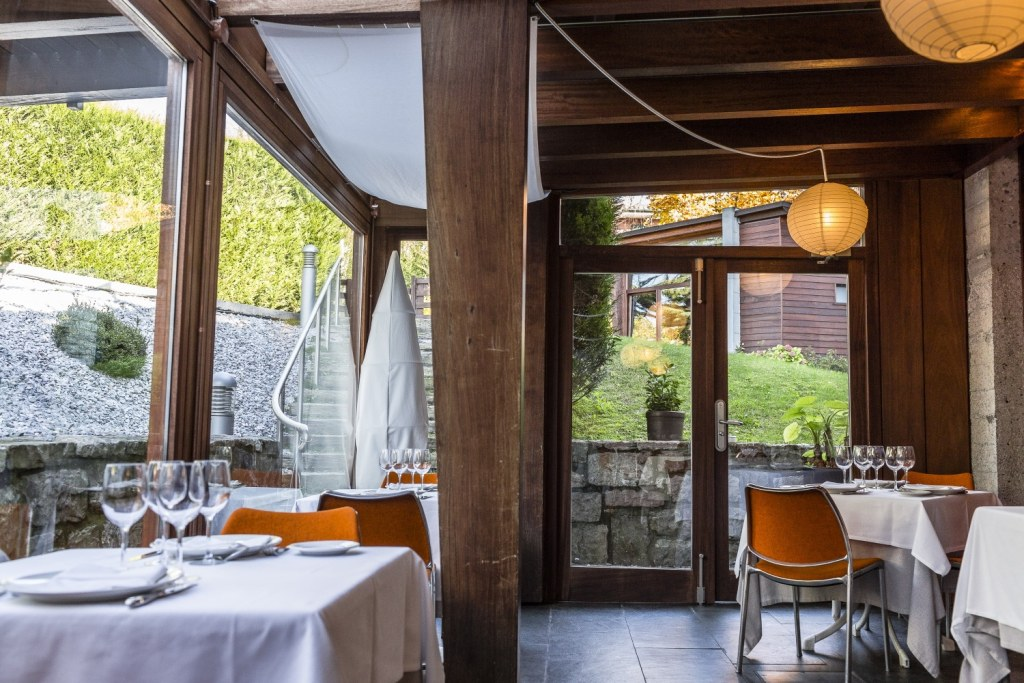 hotel-Rio-Bidasoa-salle-restaurant-pays-basque