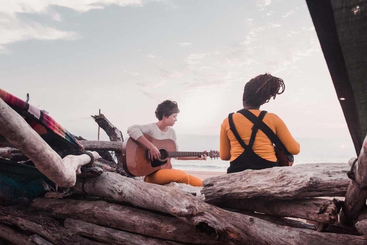 photo-pauline-et-juliette-plage