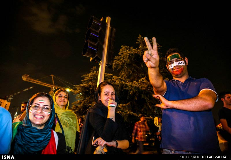 https://i2.wp.com/www.payvand.com/news/14/jun/Iranians-celebrate-after-Argentina-game-2-HR.jpg