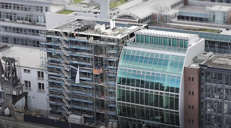 Medienhafen Düsseldorf, Kaistraße 8b, Flachdach von PBA