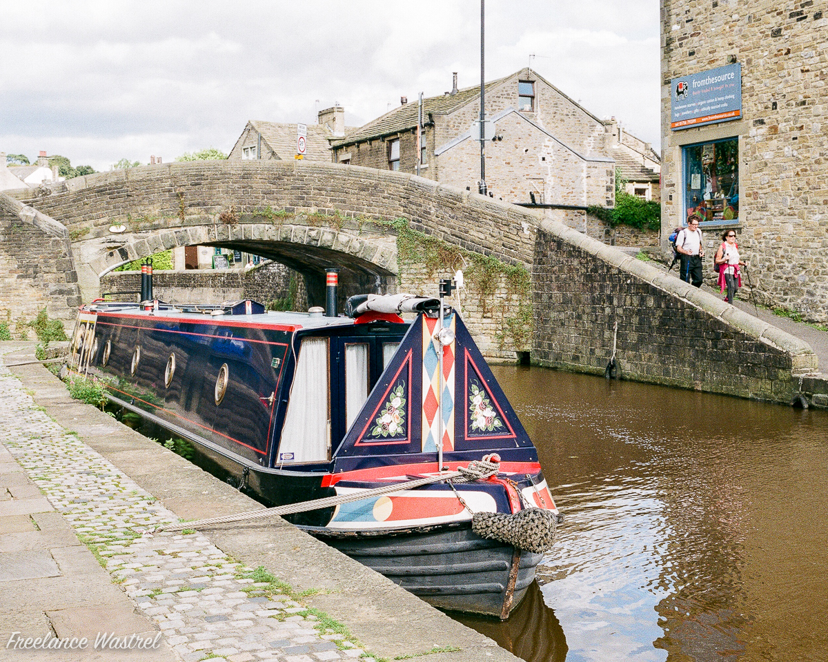 The narrow boat 'Quintet' at Skipton, August 2016