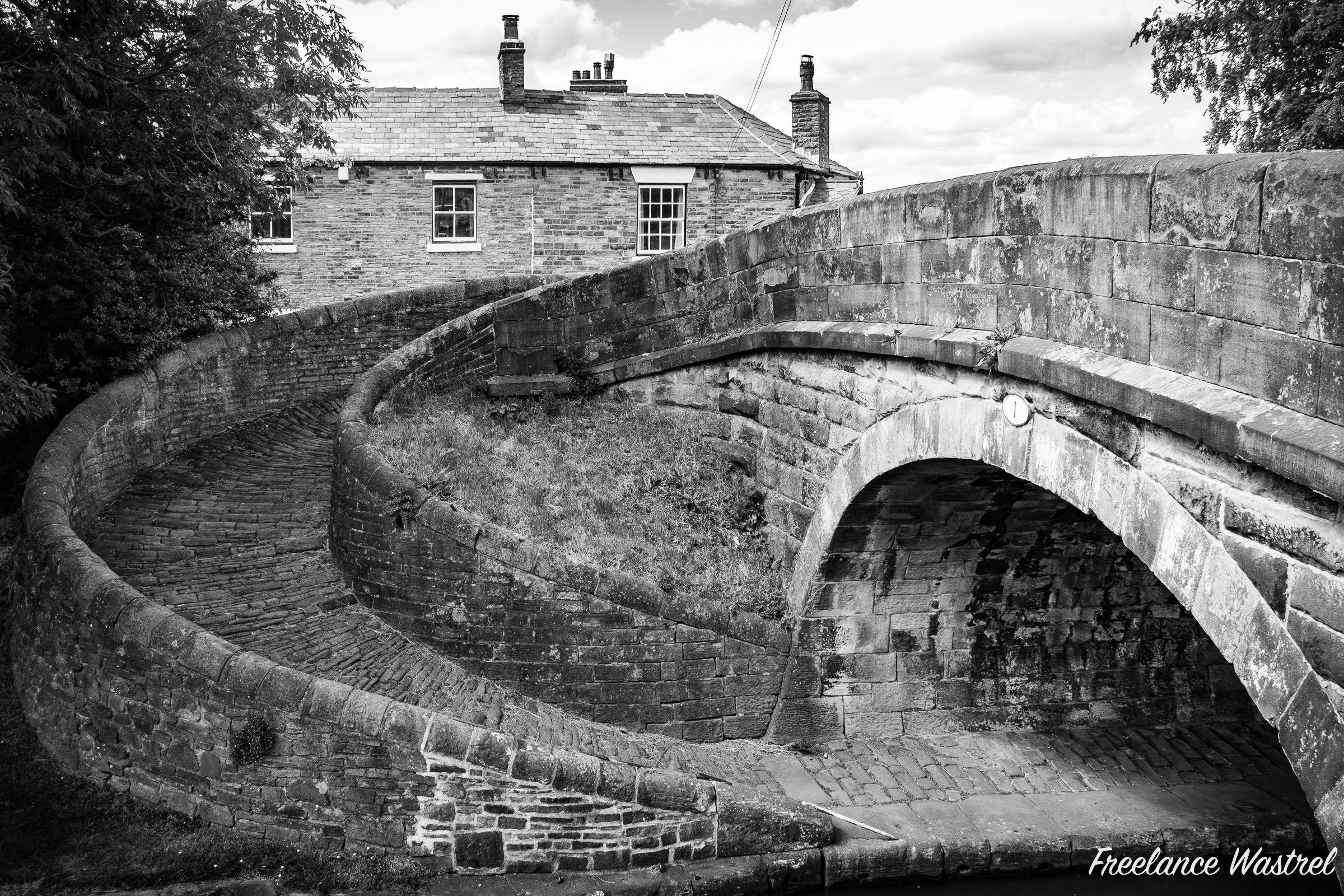 Turnover Bridge, Macclesfield Canal
