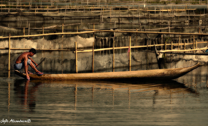 Lake Sebu fish cages by Jojie Alcantara