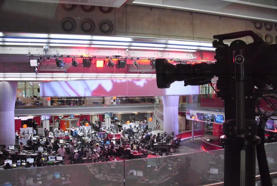 A photo of the BBC Newsroom in June 2013. Photo by Flickr user just1snap and reused here with Creative Commons license.