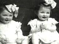 Afbeeldingsresultaat voor The twins Eva and Miriam Mozes survived Auschwitz Kor