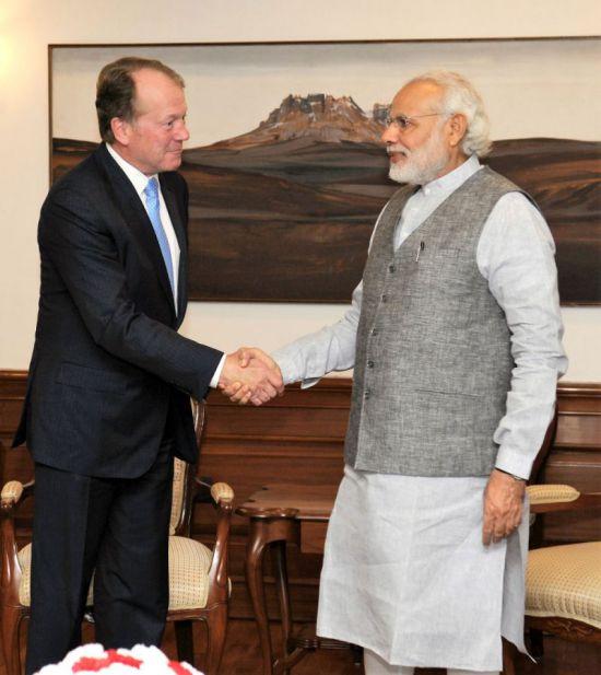 John Chambers with Modi