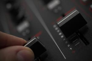 How To Mix: Six Tips For Complete Beginner Digital DJs | PCDJ