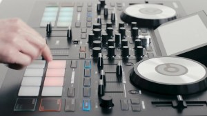 DEX 3 DJ Software with Reloop Touch DJ Controller