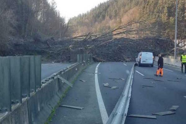 El Partido Comunista de Euskadi-EPK respalda las movilizaciones de protesta por la gestión del accidente del vertedero de Zaldibar.