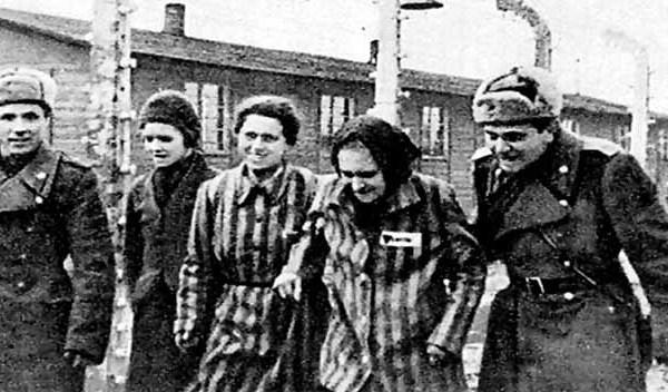 No a la equiparación del comunismo con el fascismo: ¡sin antifascismo no hay democracia!