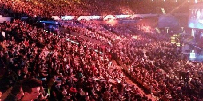 הקהל הפולני נרגש/ Luminosity VS Fnatic