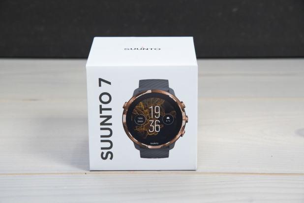 Suunto 7 מלווה גם בקופסה אלגנטית ומעוצבת