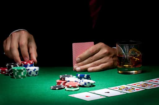 プレイヤーがカードを引くかを決定する