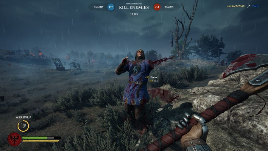 Chivalry 2 review - chopping an arm off