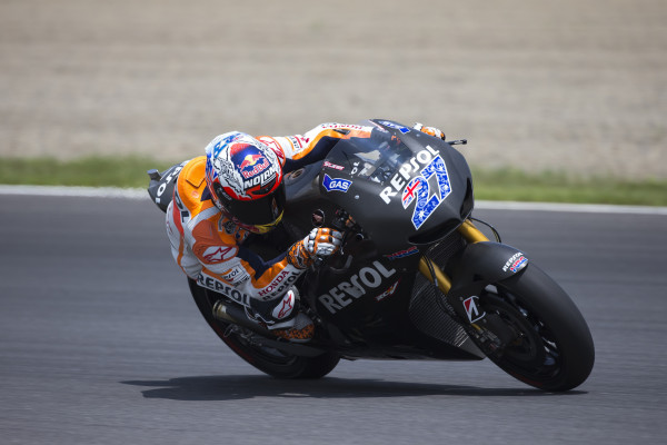 2013_motegi_test_1_d2_pic1