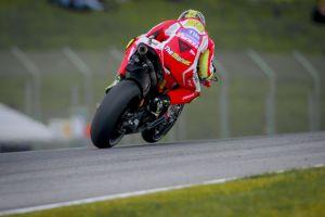 Andrea Iannone durante los entrenamientos libres del Gran Premio de Italia